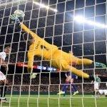 FC Barcelona 4-0 SevillaFC: De Jong, 15 minutos de desconexión y el ridículo de siempre